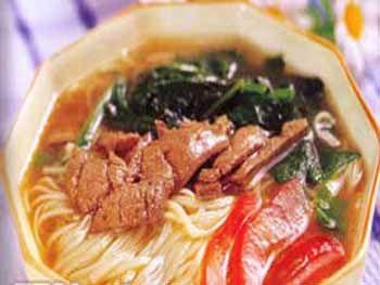 猪肝菠菜面(图片来源:新浪生活)