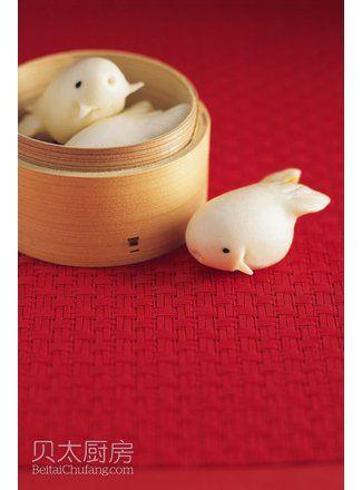 小鱼莲蓉包(图片来源:贝太厨房)