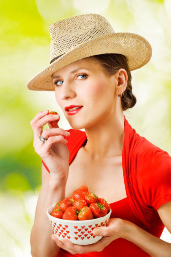 女性养生:9种抗衰老食物 让30岁女人皱纹都不见。图片来源:光明网