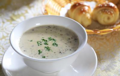椰浆蘑菇浓汤——素食者的西餐料理。图片来源:互联网