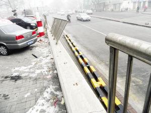 图为:事故现场。 来源:每日新报 摄影/王曾