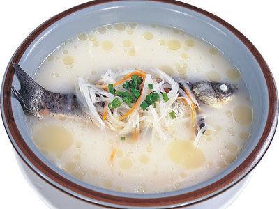 砂仁鲫鱼汤。图片来源:互联网