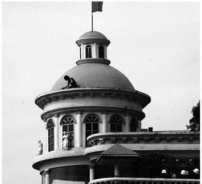 穹顶欧式办公楼