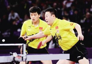郝帅(左)/马琳在比赛中