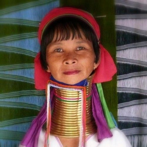 长颈大嘴肥胖 她们竟是部落人眼中的大美女图