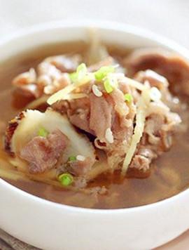 熟地当归羊肉汤。图片来源:互联网