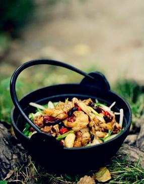 干锅牛蛙。图片来源:互联网