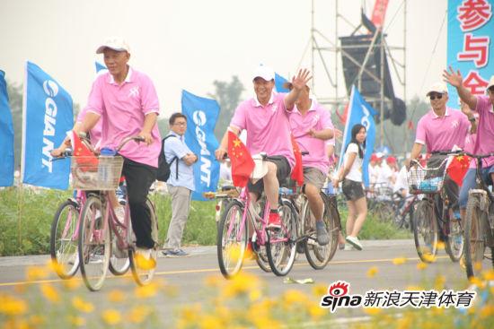 市民参与骑行活动