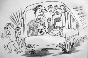 两公交司机赌气僵持10分钟不开车 乘客急得跺脚