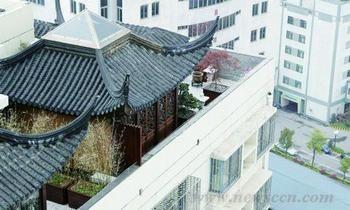 """天津""""楼上楼""""建在29层楼顶 水岸公馆违建谁管"""