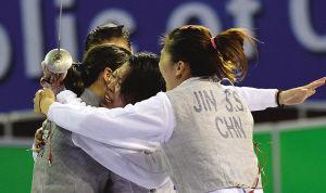 天津女子花剑队夺冠