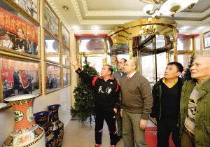 欧洲中国式摔跤联盟主席安东尼一行在参观中