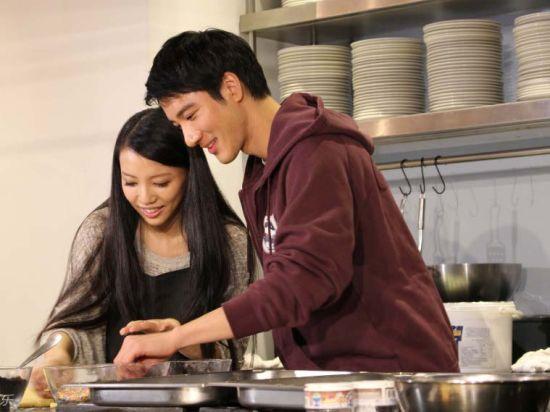 王力宏与妻同台秀恩爱