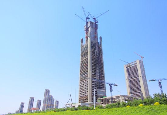 117大厦主体结构突破300米。