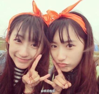 双胞胎姐妹校花走红