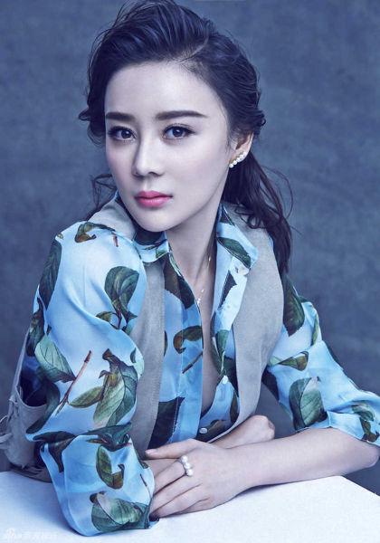 袁姗姗珠宝大片质感红唇展小女人魅惑