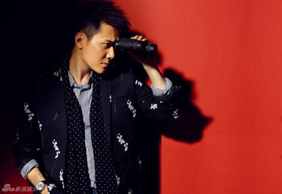 冯绍峰彰显艺术气质自言演戏是生活乐趣所在