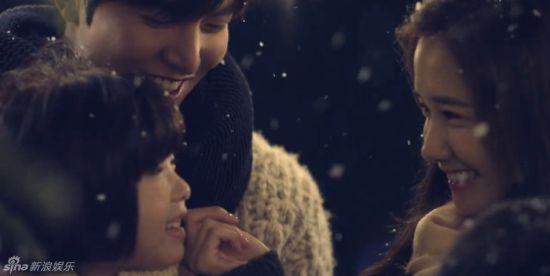 李敏镐允儿拍广告亲密抱抱似恋人