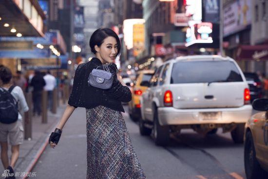 马梓涵曝纽约街拍大片上演异国风情