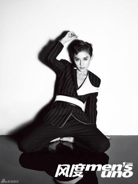 热依扎杂志黑白写真短发魅惑冷艳感性
