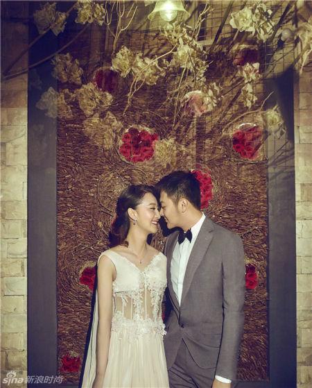 印小天曝复古婚纱写真新浪跪地求婚甜蜜示爱
