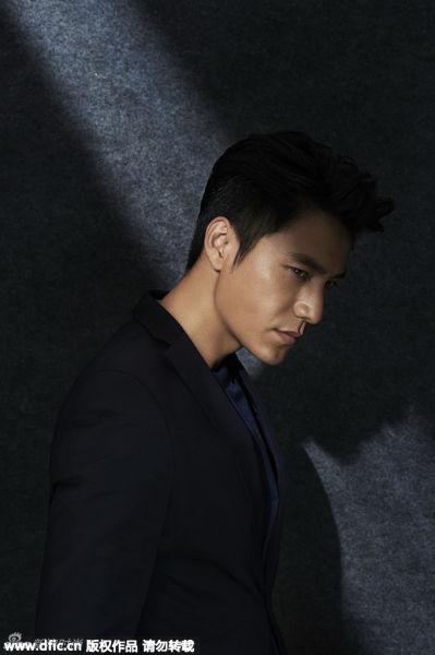 陈坤拍摄新写真黑色西装成熟型男
