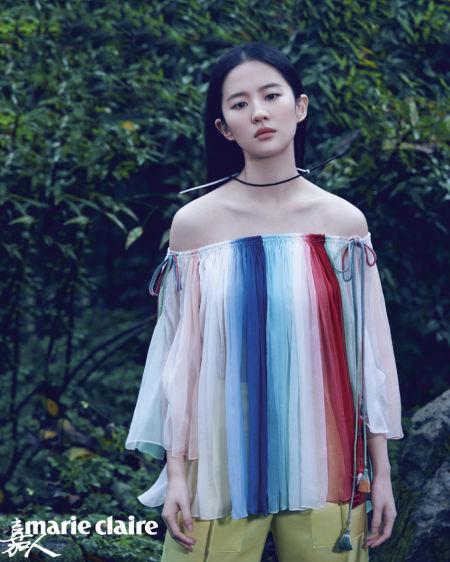 刘亦菲杂志封面曝光鲜花着锦美不自胜