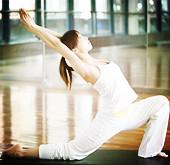 五式瑜伽解决尴尬便秘