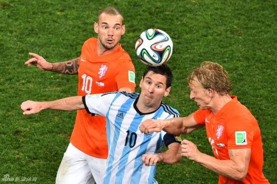 世界杯-梅西阿圭罗罚中 阿根廷点球胜荷兰进决